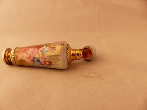 19th century - enamelled perfume bottle