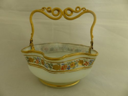 19th century - OPALINE and gilded bronze Basket