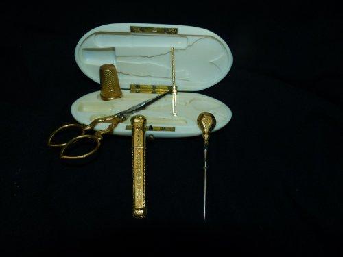 Sewing box in gold Napoleon III -