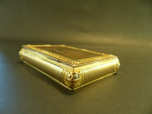 Box color gold Snuffbox - Directoire