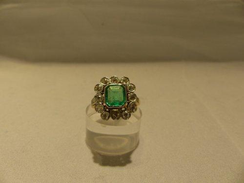 Ring yellow gold, Platinum, naturel emerald and diamonds -