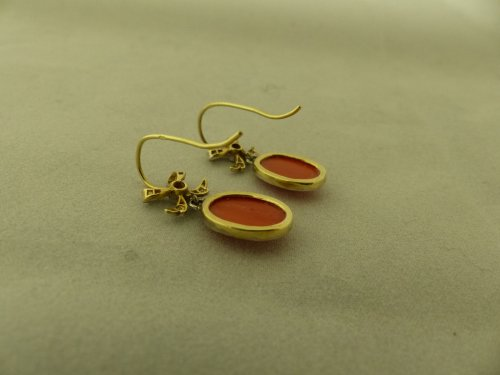 Earrings in gold, coral and diamonds - Art Déco