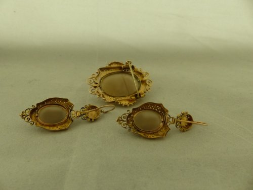 Cameos and gold finery,  Napoleon III period -