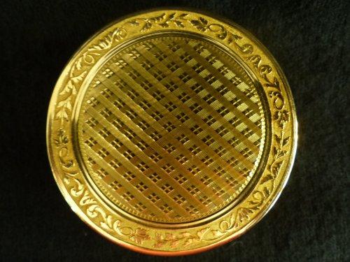 Antiquités - Gold box by Etienne Pierre Rousselet