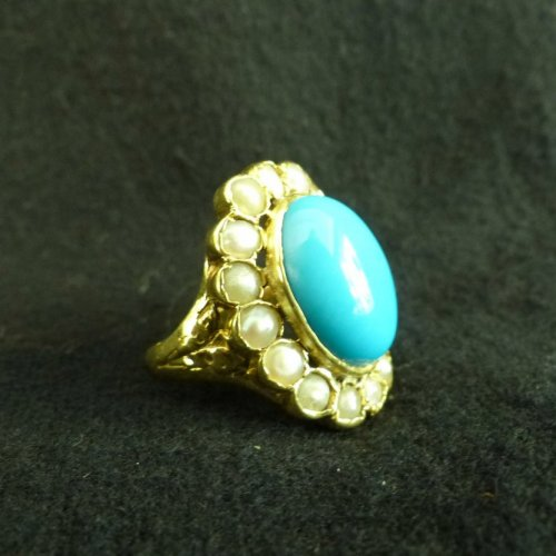 Important ring in gold, Turquoise and pearls