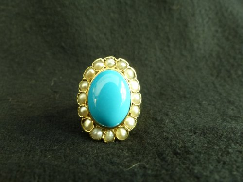 Important ring in gold, Turquoise and pearls -