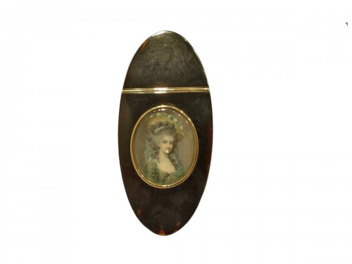 Snuffbox tortoiseshell and miniature of Directoire period