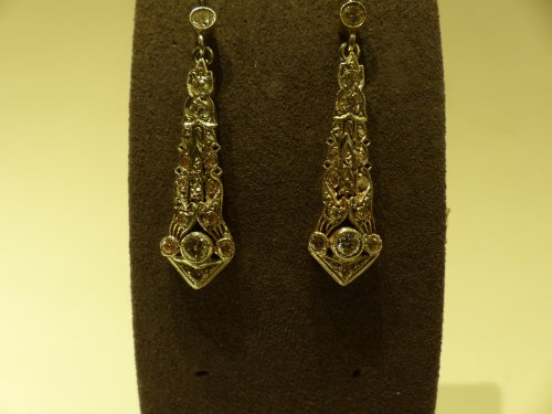 Art Déco - Art-Deco earrings in gold and diamonds