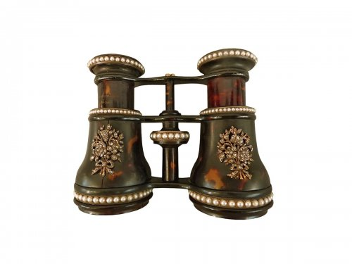 Tortoiseshell, diamonds and pearls Opera Glasses