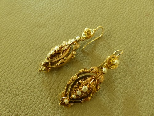 Napoléon III - Earrings in gold and pearls  Napoleon III period