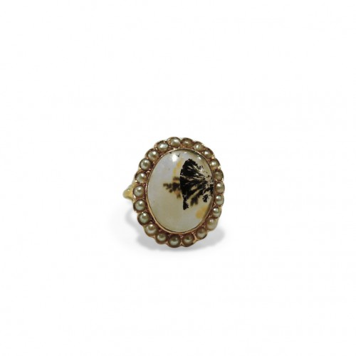 Gold ring, herborisee agate, naturels pearls, end of 18 th century