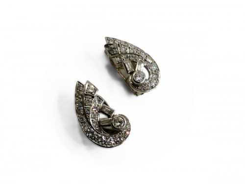 Pair of earrings in Platinum and diamonds
