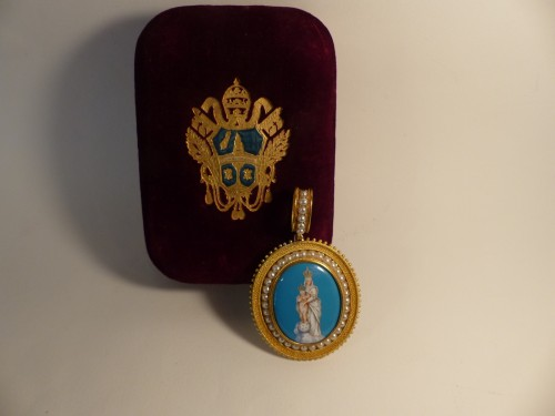 Important Medal of the Virgin in gold, enamel and pearls  in its case - Antique Jewellery Style Napoléon III