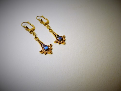 Antique Jewellery  - Pair of earrings in gold, pearls and sapphires