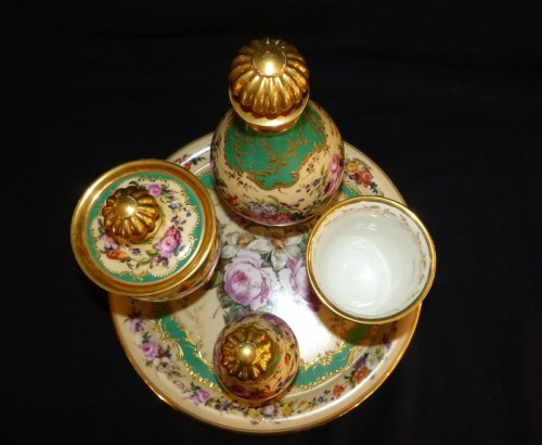 Night service in porcelain of Paris circa 1820 - Porcelain & Faience Style Restauration - Charles X