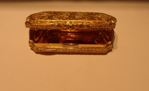19 th century Gold Snuffbox  - Objects of Vertu Style Louis-Philippe