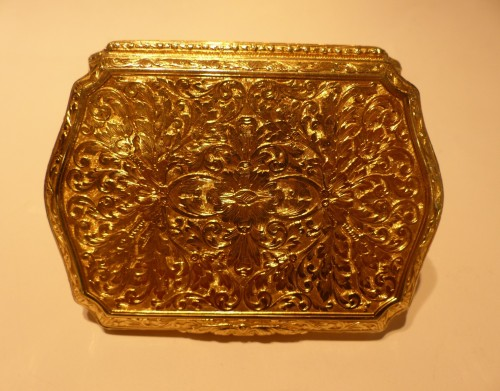 19 th century Gold Snuffbox  -