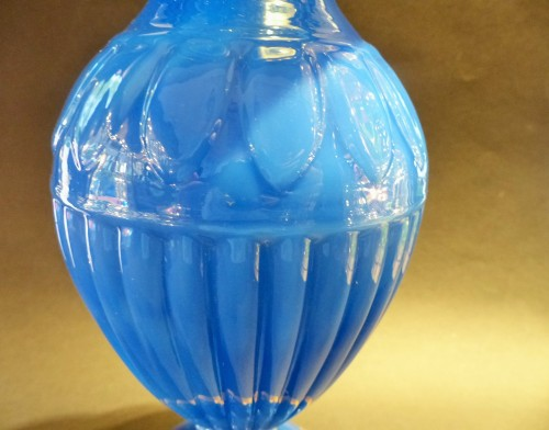 Opaline of blue color and gilded  bronze vase - Glass & Crystal Style Restauration - Charles X