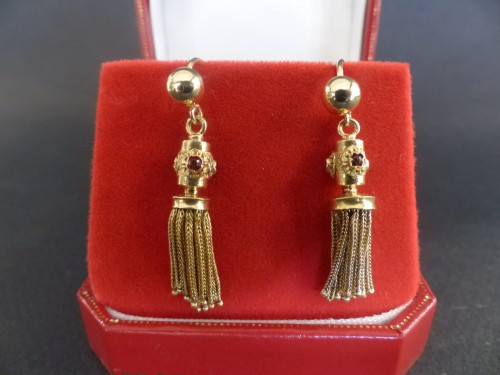 Antique Jewellery  - PomPoms and gold Ruby Earrings