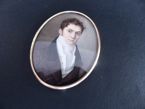 Portrait of a gentleman signed and dated 1816 - Objects of Vertu Style Restauration - Charles X