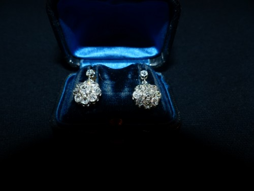 Antique Jewellery  - Earrings in gold and diamonds