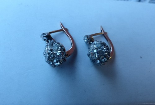 Earrings in gold and diamonds -