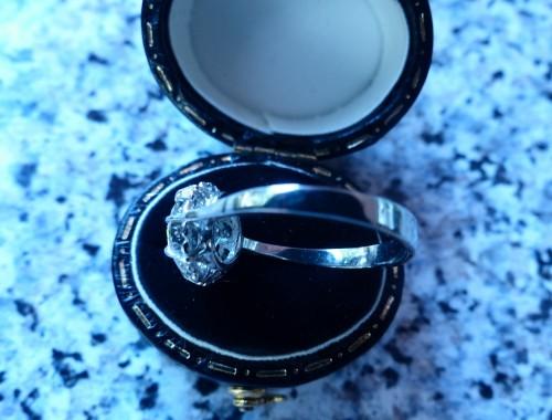 Antique Jewellery  - Ring in Platinum and diamond ,76 carat
