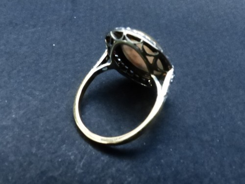 Old ring in Platinum, opal and diamonds -