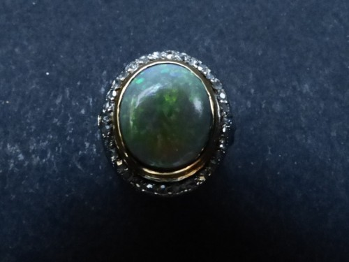 20th century - Old ring in Platinum, opal and diamonds