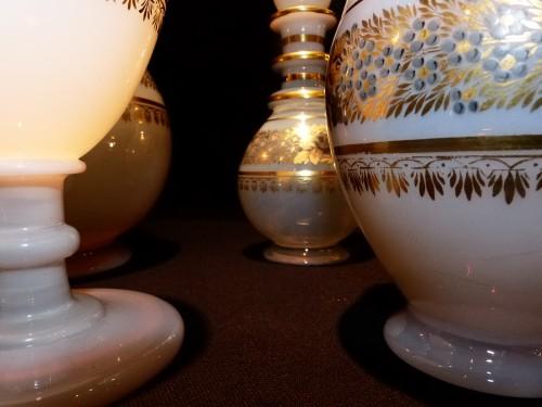 Glass & Crystal  - Service de nuit en opaline décor Desvignes