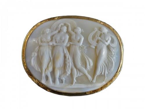 Cameo mythologic brooch