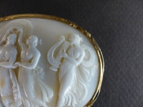 Antique Jewellery  - Cameo mythologic brooch