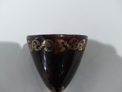 19th century - Zarf in tortoiseshell with gold inlay XIX century