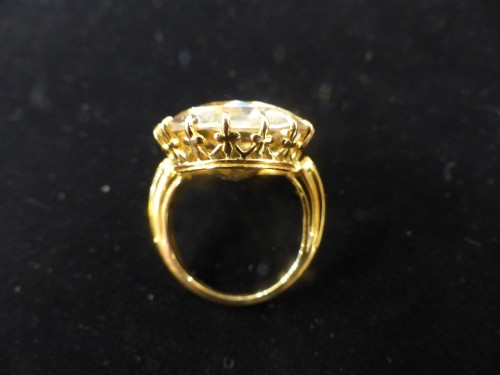 Yellow gold ring with citrine -