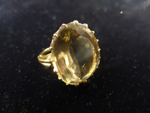 - Yellow gold ring with citrine
