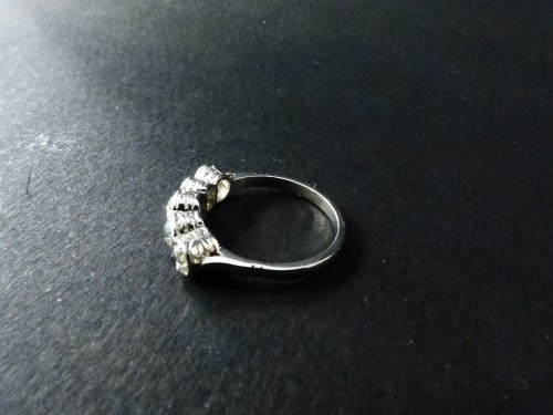 Platinum and Diamond River Ring, Art Deco Period - Antique Jewellery Style Art Déco