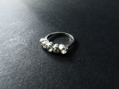 Antique Jewellery  - Platinum and Diamond River Ring, Art Deco Period