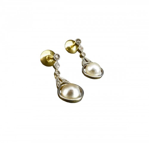Gold and Platinum naturals pearls and diamonds dangle earrings