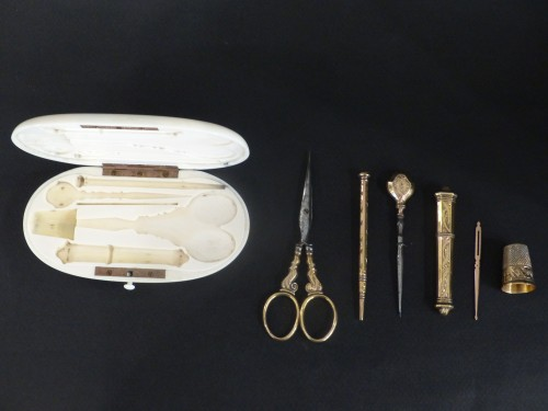 Objects of Vertu  -  Sewing set in vermeil in its ivory box