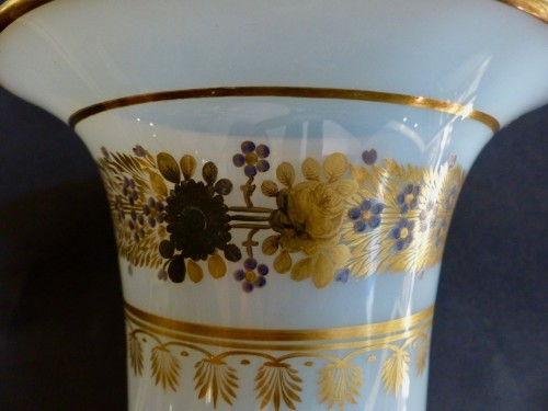 Important Medicis Vase in Opaline from Charles X period -