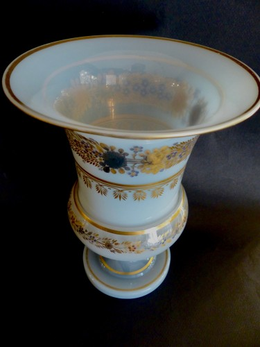 Important Medicis Vase in Opaline from Charles X period - Restauration - Charles X