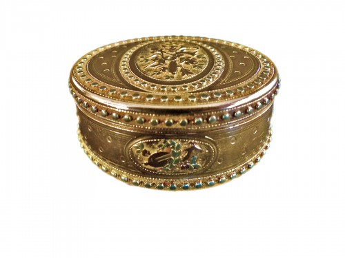 Three gold snuffbox by René Jean Lemoyne