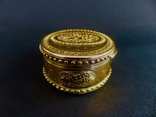 Three gold snuffbox by René Jean Lemoyne - Objects of Vertu Style Louis XVI