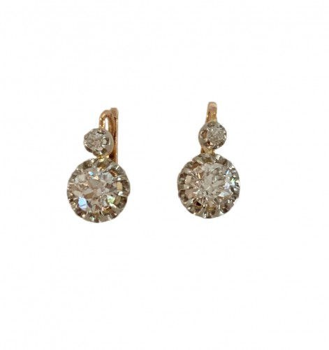 Paire de dormeuses en or, platine et diamants