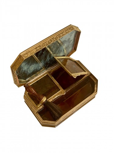 Louis XVI agate and gold patch box