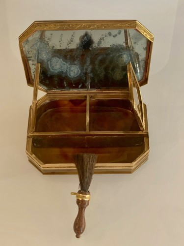 Louis XVI agate and gold patch box - Objects of Vertu Style Louis XVI
