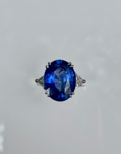 Antiquités - Gold Ring Set With Natural Sapphire