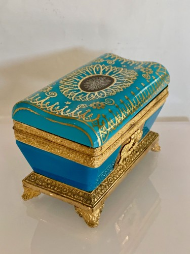 """Objects of Vertu  - Turquoise opaline """"sarcophagus"""" box"""