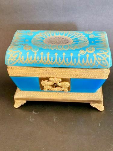 """Antiquités - Turquoise opaline """"sarcophagus"""" box"""