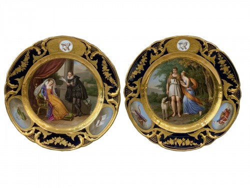 Pair of plates in Paris porcelain. by Rihouet and Schoelcher